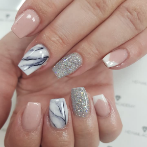 marble-and-pink-nails